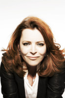 Kathleen Madigan - Color 2 - Photo Credit - Luzena Adams