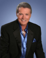MickeyGilley_Small